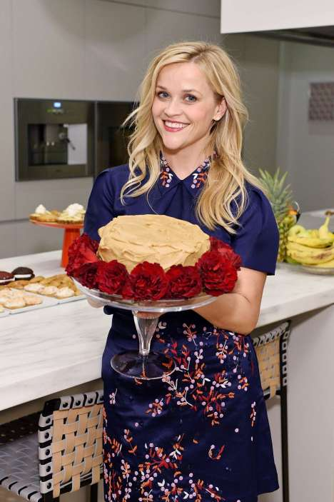 Reese-Witherspoon_-The-Sprinkles-Baking-Book-by-Candace-Nelson-Pre-Release-Party--09.jpg