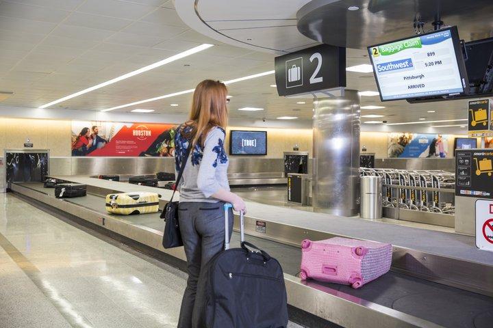hou_domestic_baggage_claim_31616.jpg__720x480_q85_crop_subsampling-2_upscale