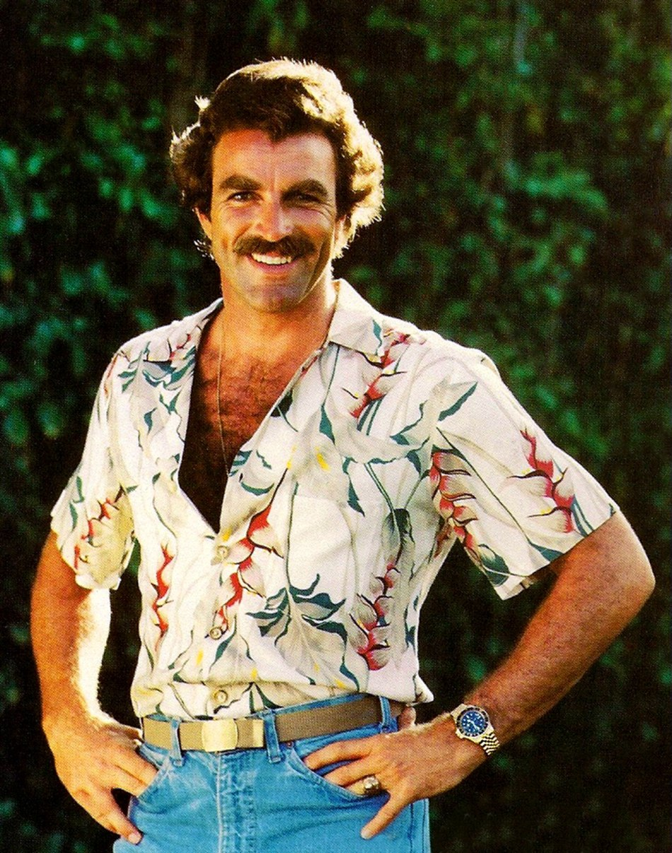 Tom-Selleck-as-Magnum-P.I.-wearing-yellow-gold-Rolex-GMT-Master.jpg